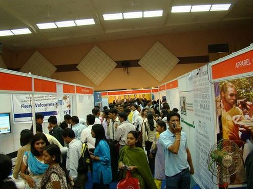 Prepare Your Job Fair Booth In 4 Easy Steps